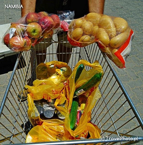 Ceny w supermarkecie są zawsze nadrukowane i stałe.