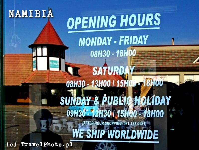 NAMIBIA - godziny otwarcia sklepów w Swakopmund