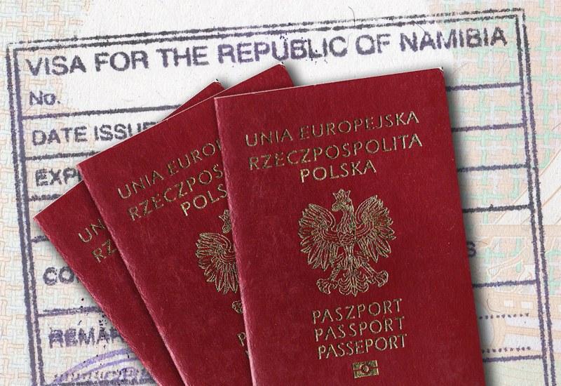 Od połowy 2019 wiza do Namibii wydawana jest na granicy.