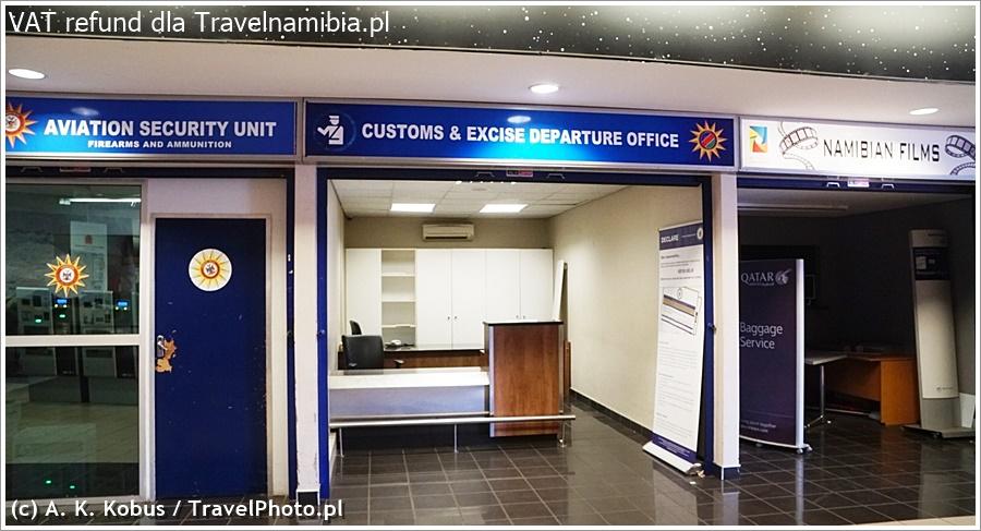 Fachowo to miejsce nazywa się Custom Office, i zwykle nikogo tu nie ma.