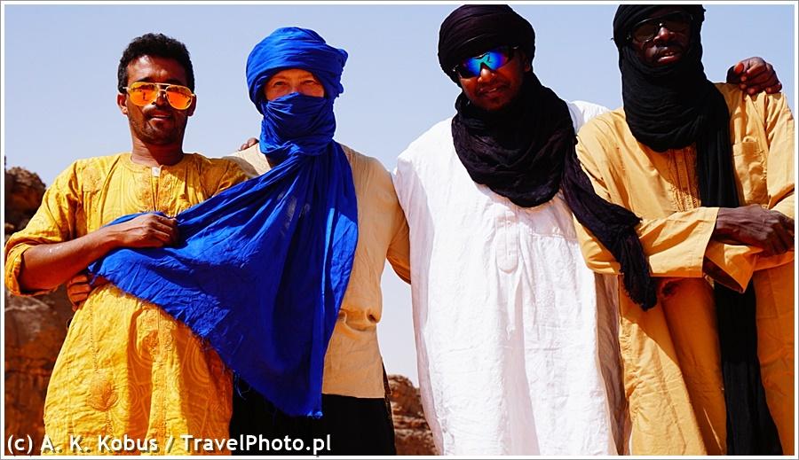 Algieria. Z tą ekipą można ruszać na koniec świata - a na pewno na Saharę!