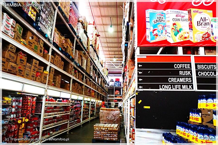 Płatki śniadaniowe, przyprawy, napoje, ciastka - w większych miastach mamy większy wybór towaru.