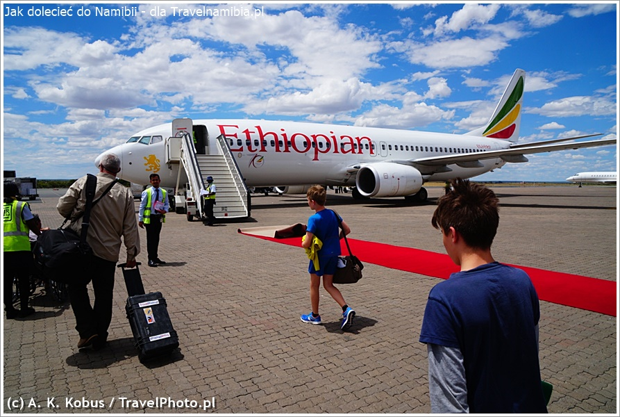 Nasza ulubiona linia lotnicza: Ethiopian. Czasem nawet czeka na nas czerwony dywan ;)