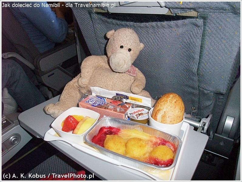 Lecąc z dziećmi można liczyć na specjalny posiłek dla małych podróżników.