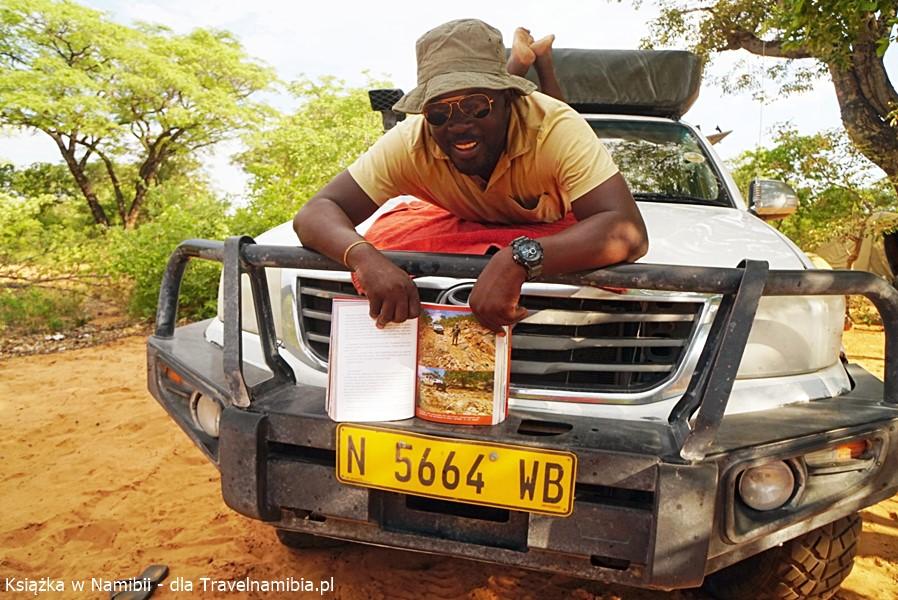Ruszasz do Namibii? Weź naszą książkę!
