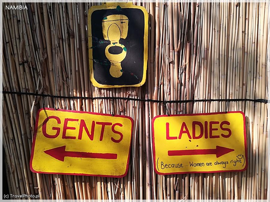 Kreatywna toaleta w Ngepi.