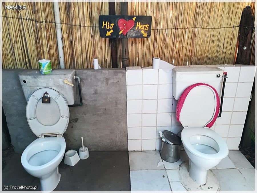 Toaleta dla niego i dla niej.