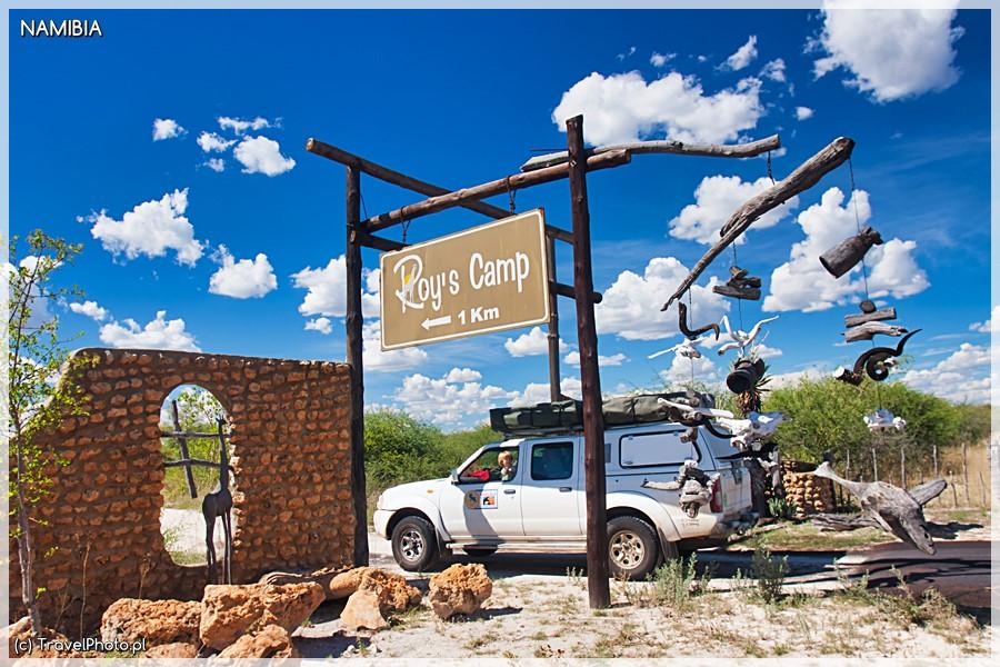 Roy's Camp - brama wjazdowa.