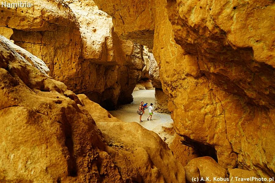 Widok z rumowiska na kanion Sesriem.