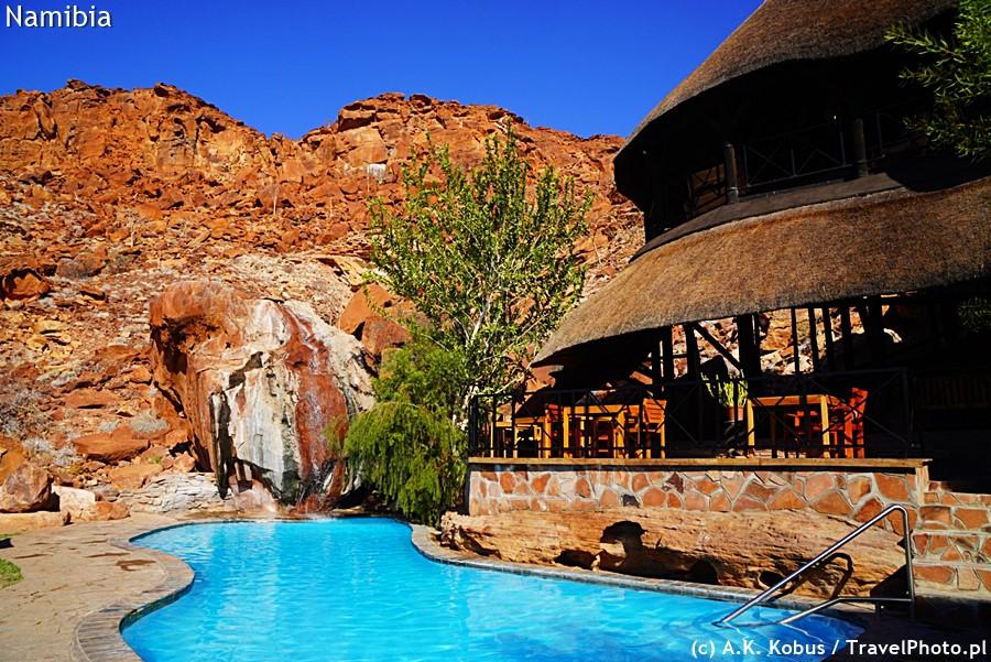 Lodge z basenem - azyl na upalne dni.